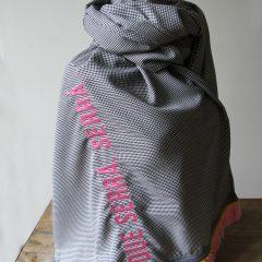 que-sera-sera-pepita-scarf